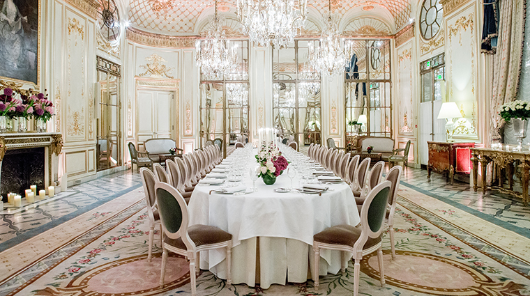 Le meurice dorchester collection paris hotels paris for Guide hotel france