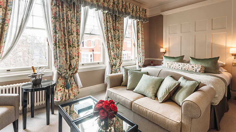 11 cadogan gardens junior suite