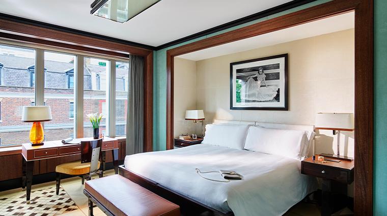 45 park lane Deluxe Room Bedroom