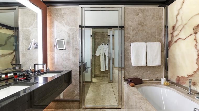 45 park lane London Balcony Suite Bathroom