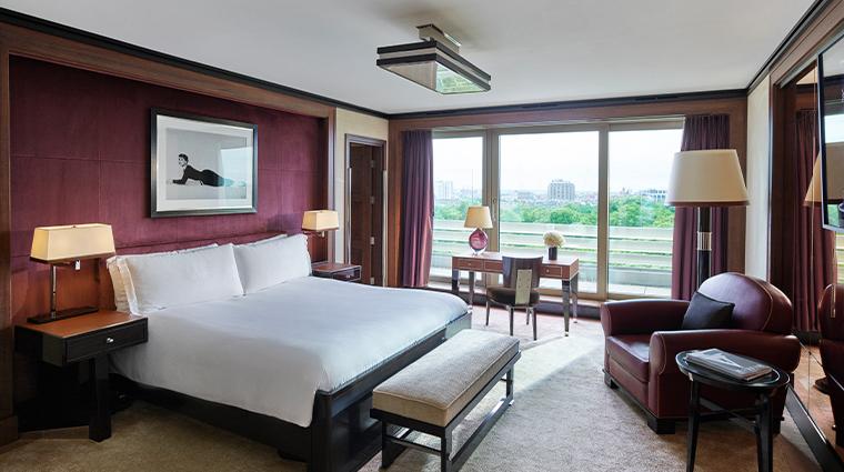 45 park lane Penthouse Suite Bedroom