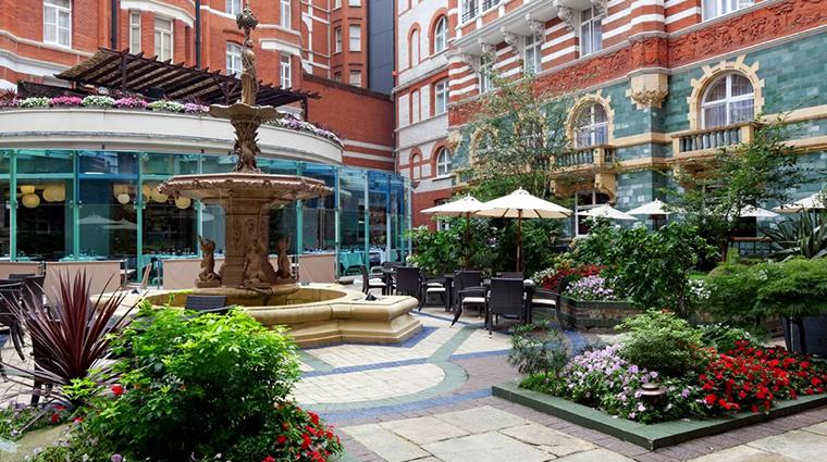 51 buckingham gate taj suites and residences courtyard