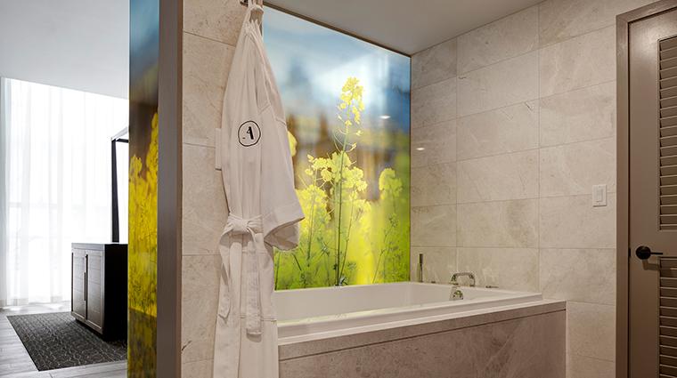 Archer Hotel Napa Den bathroom