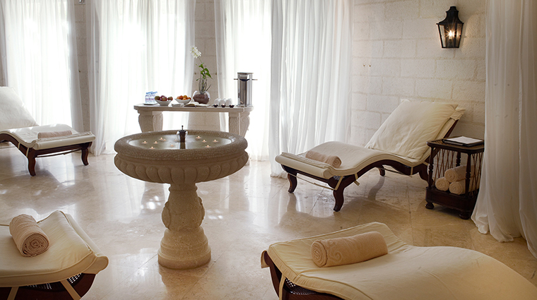 Barbados Spa relaxation room