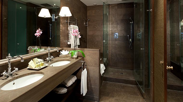 El palace barcelona classic bathroom
