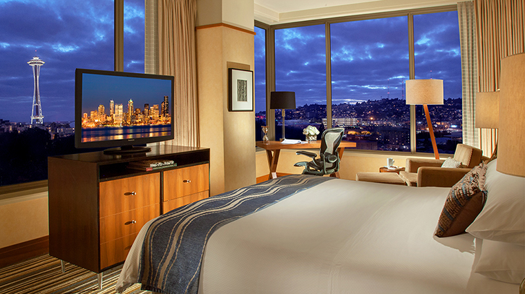 FTG Hotel PanPacificSeattle GuestroomandSuites Space Needle Corner King CreditPan Pacific Seattle