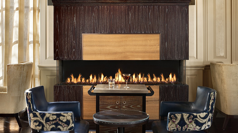 FTG Hotel StRegisWashingtonDC Bar.Lounge StRegisBarFireplace CreditStarwood Hotels & Resorts Worldwide Inc