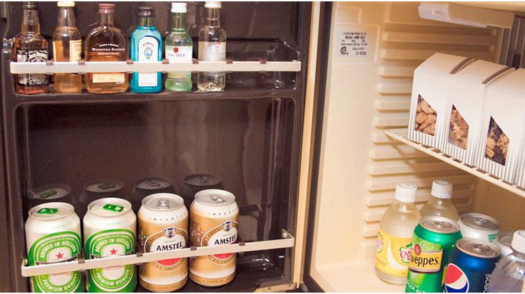 FTG Kiawah Guestroom Minibar Wide