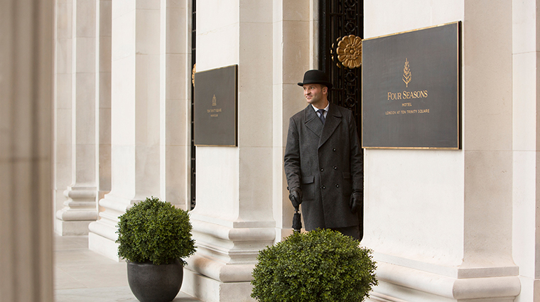 Four Seasons Hotel London at Ten Trinity Square entrace