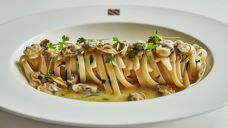 Le Sirenuse Miami at the Four Seasons Hotel at the Surf Club Linguine alle Vognole