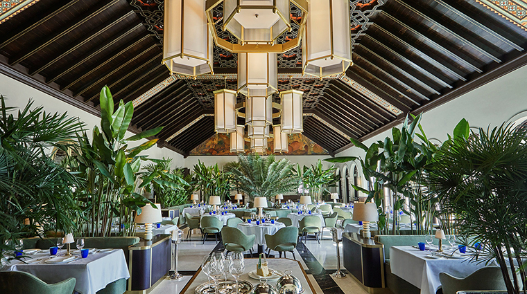 Le Sirenuse Miami at the Four Seasons Hotel at the Surf Club dining room wide