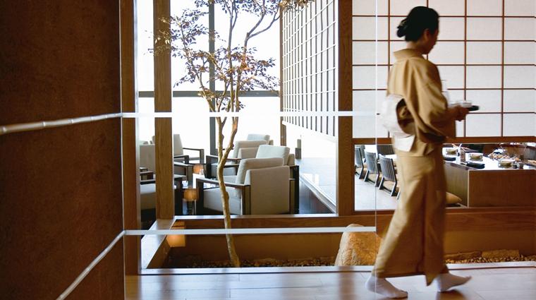 Poperty Tenmasa Restaurant ViewofSakeBarandSakuraRoom CreditMelcoCrownEntertainmentLimited
