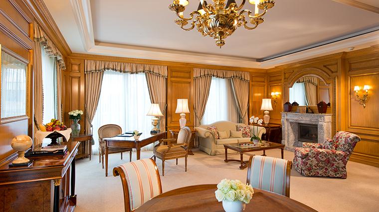 Proeprty RegentBerlin Hotel GuestroomSuite LindenSuiteLivingRoom RegentHotels&Resorts