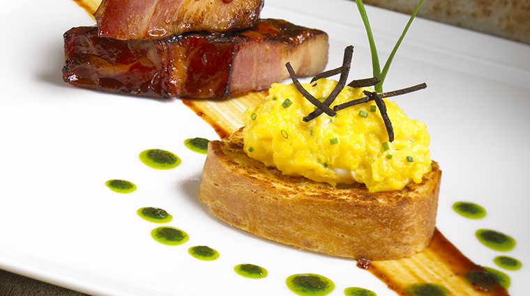 Property Abacus Restaurant Dining EggsandBacon KentRathbunConcepts