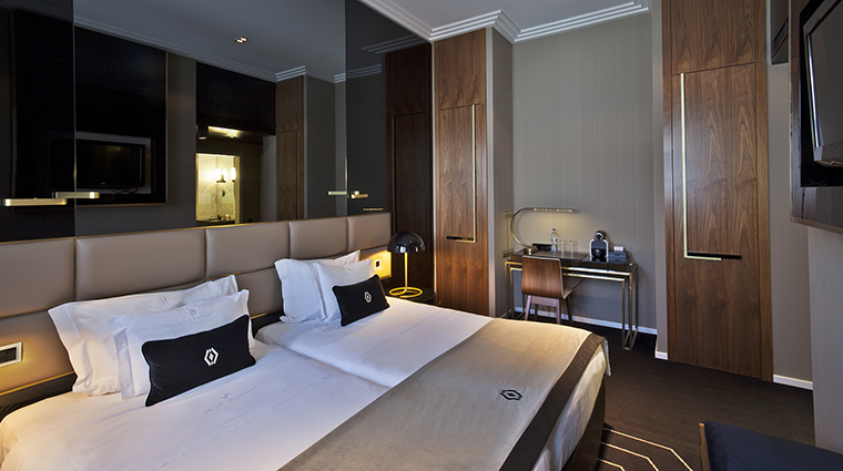 Property AltisAvenidaHotel Hotel GuestroomSuite ClassicRoom2 AltisHotelsGroup