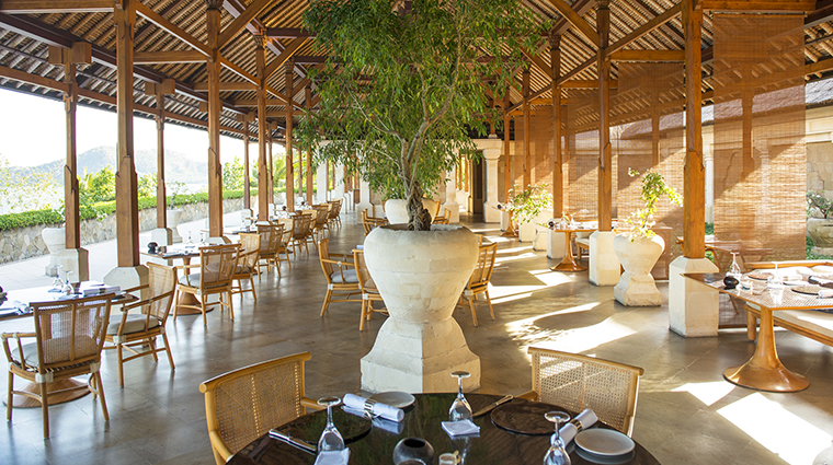 Property Amankila Hotel Dining TheRestaurant AmanResorts