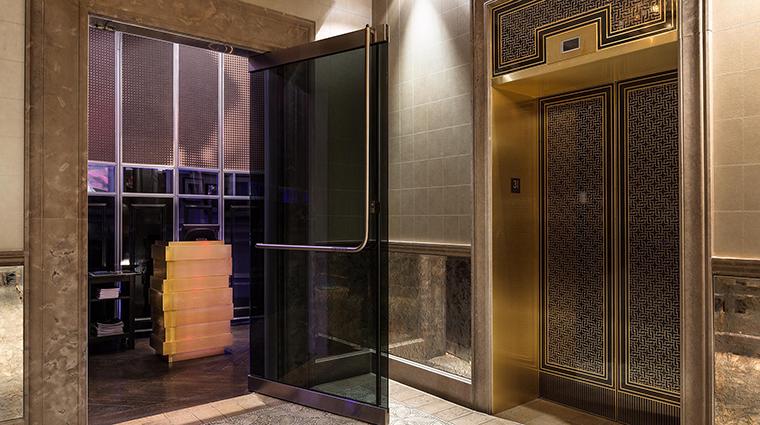 Property AmericaRestaurant Restaurant Dining Elevator TrumpInternationalHotel&TowerToronto