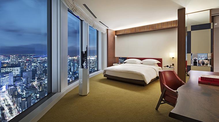 Property AndazTokyoToranomonHills Hotel GuestroomSuite DeluxeAndazLargeKing HyattCorporation