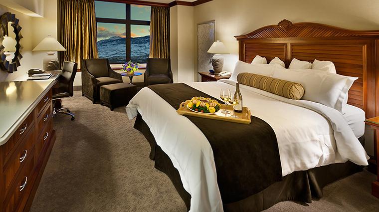 Property AtlantisCasinoResort Hotel GuestroomSuite DolphinTowerRoom Bedroom CreditAtlantisCasinoResortSpa