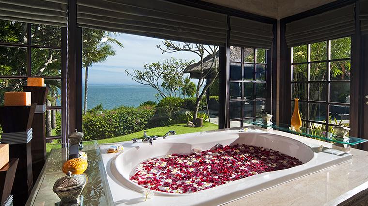 Property AyanaResort&Spa Hotel GuestroomSuite OceanFrontCliffVillaBathroom AyanaResort&Spa