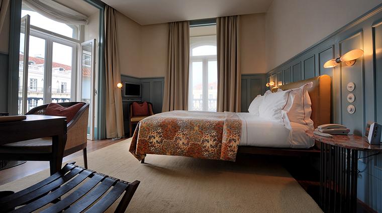 Property BairroAltoHotel Hotel GuestroomSuite DeluxeRoom BairroAltoHotel