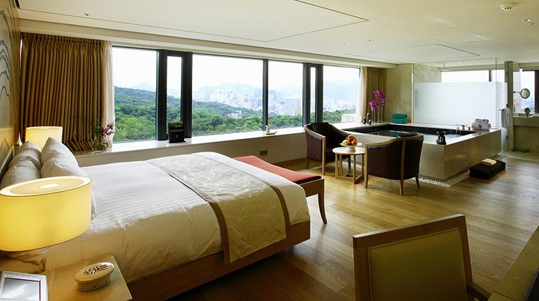 Property BanyanTreeClub&SpaSeoul Hotel GuestroomSuite NamasanPoolPremierSuite BanyanTreeHotels&Resorts