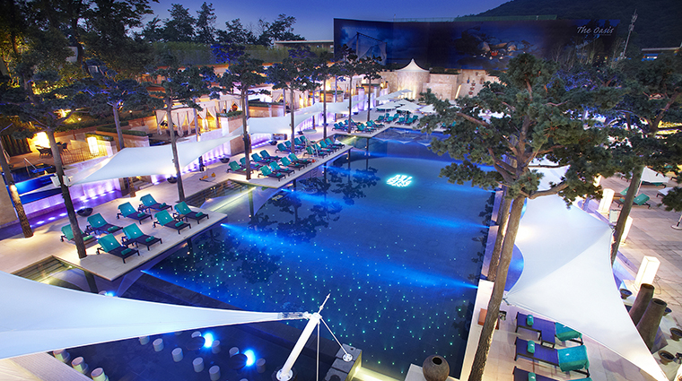Property BanyanTreeClub&SpaSeoul Hotel PublicSpaces Pool&TheOasis BanyanTreeHotels&Resorts