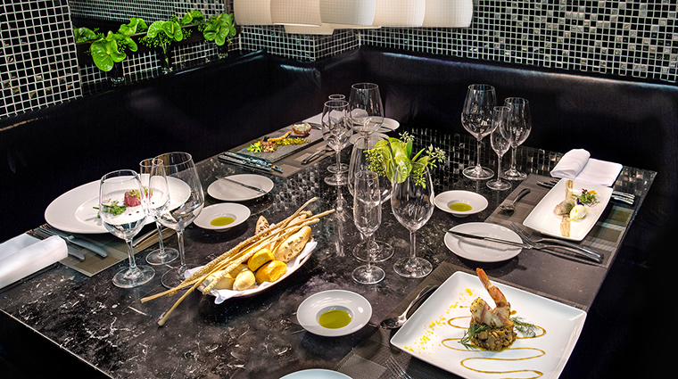 Property BelmondCopacabanaPalace Hotel Dining MeeRestaurant3 BelmondManagementServicesSARL