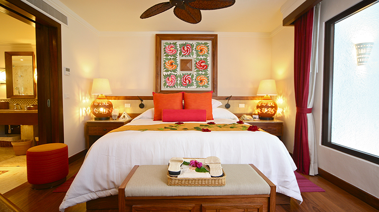 Property BelmondMaromaResort&Spa Hotel GuestroomSuite OceanViewMasterSuiteBedroom BelmondManagementServicesSARL