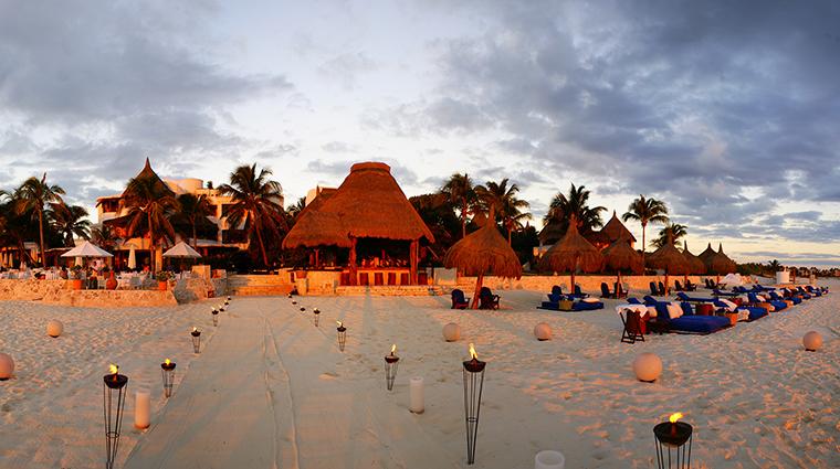 Property BelmondMaromaResort&Spa Hotel PublicSpaces Beach&ViewofRestaurant BelmondManagementServicesSARL