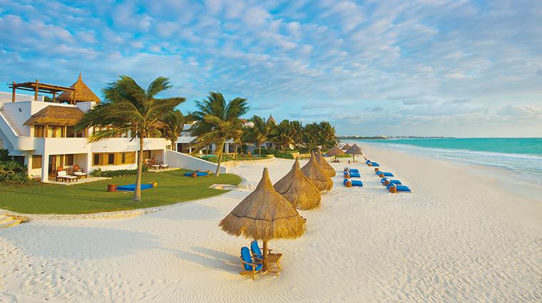 Property BelmondMaromaResort&Spa Hotel PublicSpaces Beach BelmondManagementServicesSARL