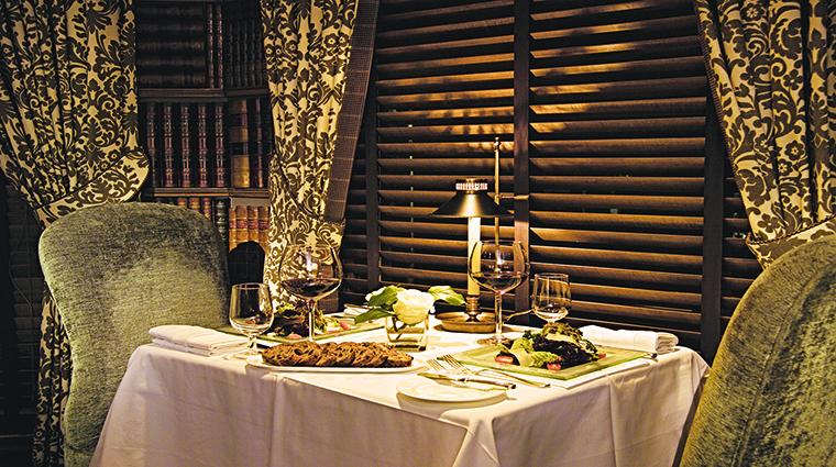Property BernardsInn Hotel PublicSpaces DiningRoom TheBernardsInnHotel