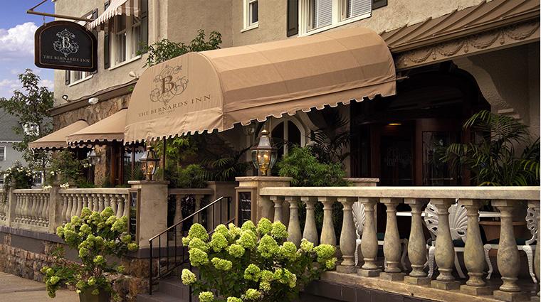 Property BernardsInn Hotel PublicSpaces Outdoor TheBernardsInnHotel