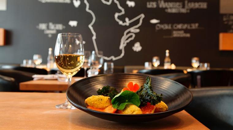 Property BistroLaurentienLaCoupole Restaurant Dining BistroLaurentienCuisine HotelLeCrystalMontreal
