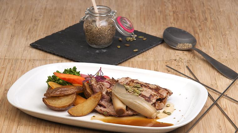 Property BistroLaurentienLaCoupole Restaurant Dining SteakDuBoucherDeVeau HotelLeCrystalMontreal