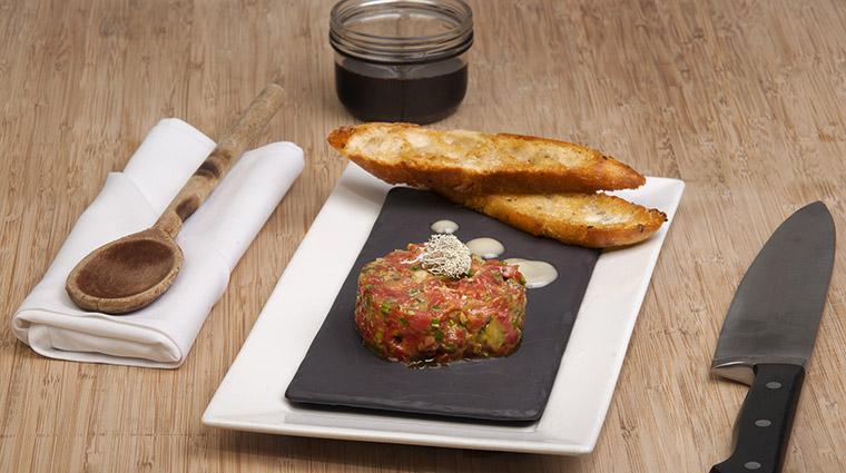 Property BistroLaurentienLaCoupole Restaurant Dining TartareBoeuf HotelLeCrystalMontreal