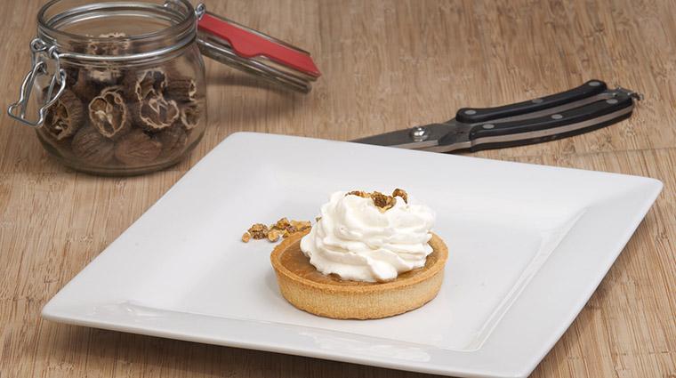 Property BistroLaurentienLaCoupole Restaurant Dining TarteletteSucreDerable HotelLeCrystalMontreal