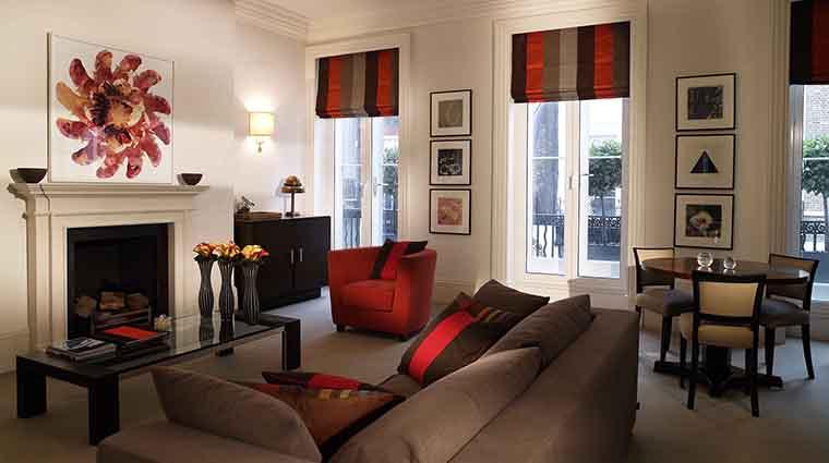 Property BrownsHotel Hotel GuestroomSuite AlbemarleSuiteSittingRoom RoccoForteHotels