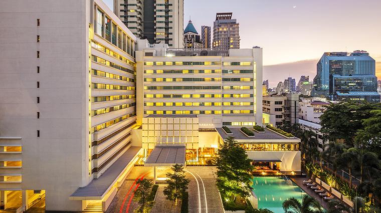 Property COMOMetropolitanBangkok Hotel Exterior ExterioratDusk TheCOMOGroup