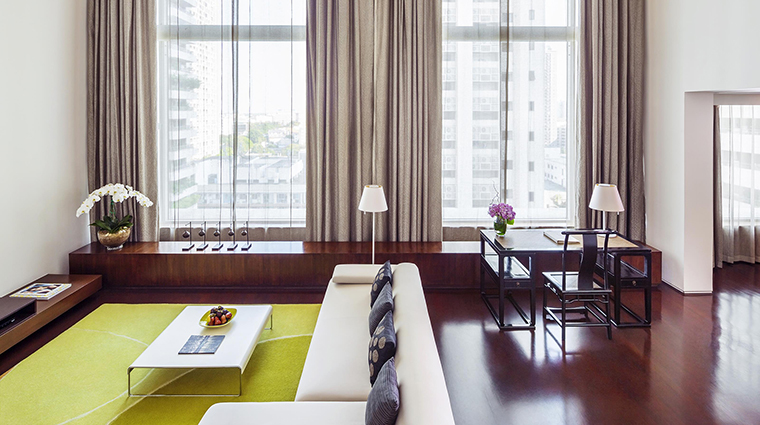 Property COMOMetropolitanBangkok Hotel GuestroomSuite COMOSuite2 TheCOMOGroup