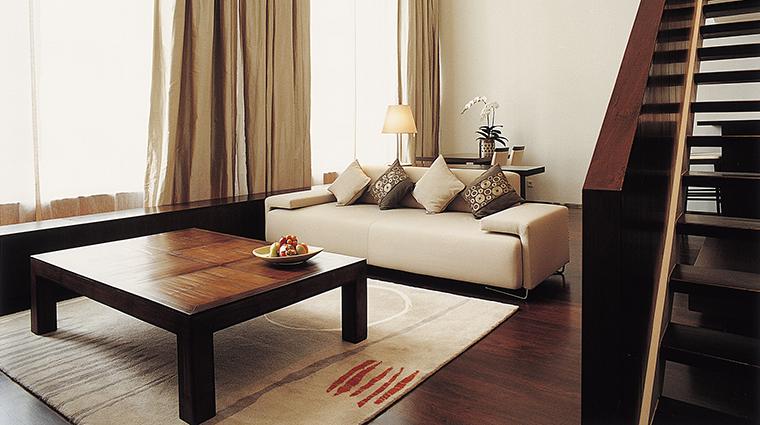 Property COMOMetropolitanBangkok Hotel GuestroomSuite PenthouseSuiteLounge&DiningArea TheCOMOGroup