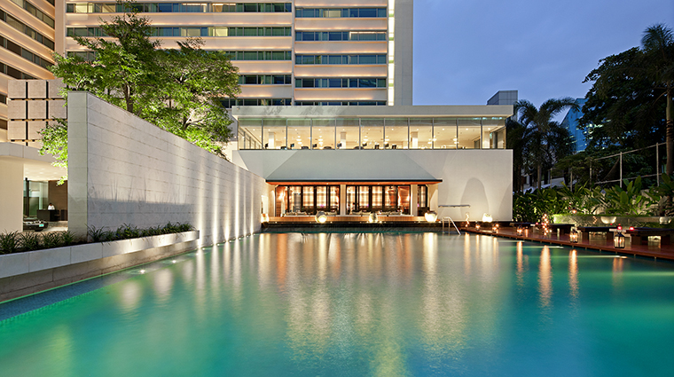 Property COMOMetropolitanBangkok Hotel PublicSpaces SwimmingPool&NahmatNight TheCOMOGroup