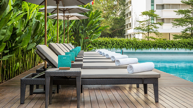 Property COMOMetropolitanBangkok Hotel PublicSpaces SwimmingPoolLoungeChairs TheCOMOGroup