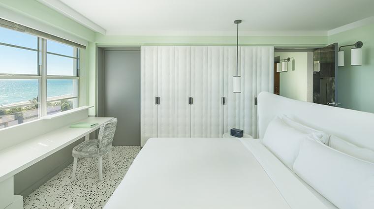 Property COMOMetropolitanMiamiBeach Hotel GuestroomSuite OceanViewSuiteBedroom COMOHotelsandResorts