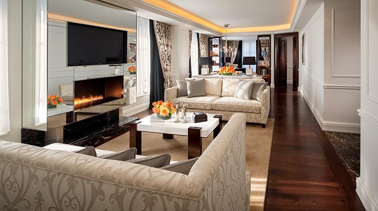 Property CapellaWashingtonDCGeorgetown Hotel GuestroomSuite PresidentialSuiteLivingRoom CapellaHotelsandResorts