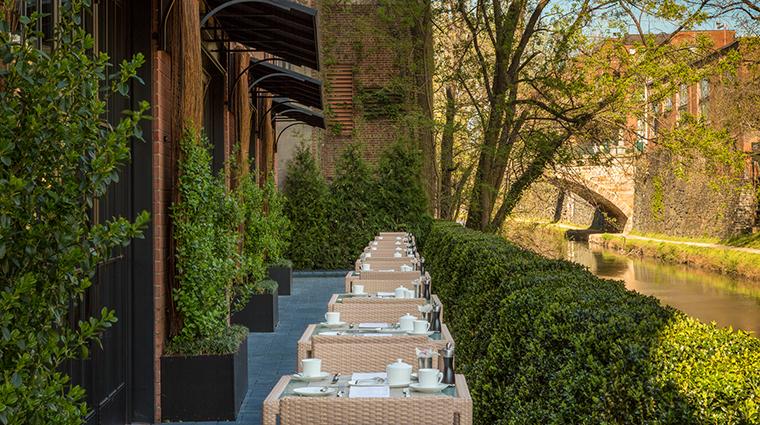 Property CapellaWashingtonDCGeorgetown Hotel PublicSpaces OutdoorTerrace CapellaHotelsandResorts