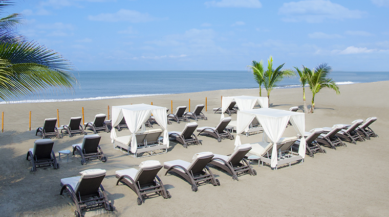 Property CasaVelasPuertoVallarta Hotel PublicSpaces Beach2 VelasResorts