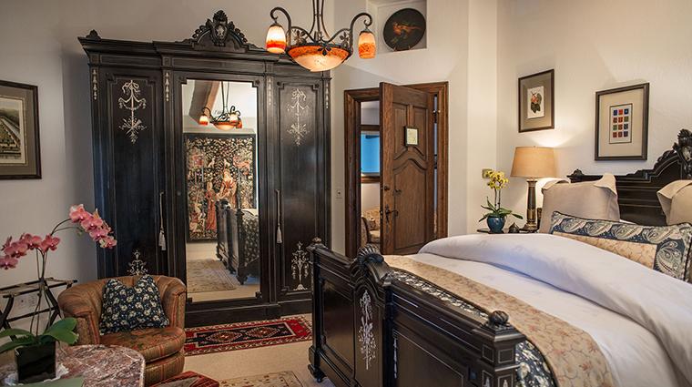 Property ChateauDuSureau Hotel GuestroomSuite SaffronRoom ChateauDuSureau