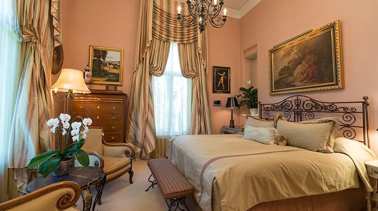 Property ChateauDuSureau Hotel GuestroomSuite VillaLibrarySuite ChateauDuSureau