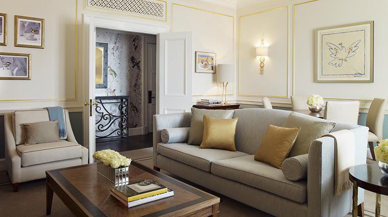 Property Claridges Hotel GuestroomSuite TerraceSuiteLivingRoom MaybourneHotelGroup